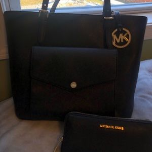 Michael Kors shoulder tote & matching wallet